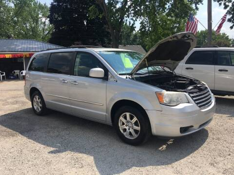 2009 Chrysler Town and Country for sale at Antique Motors in Plymouth IN