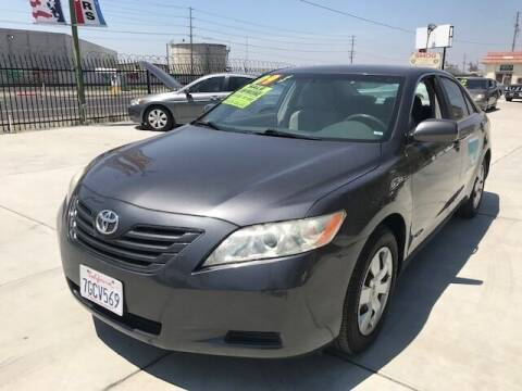 2009 Toyota Camry for sale at GreenLight  Auto Sales in Modesto CA