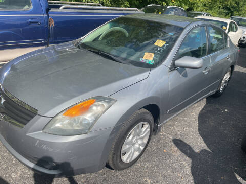 2009 Nissan Altima for sale at Trocci's Auto Sales in West Pittsburg PA