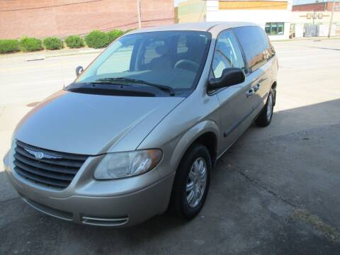 2007 Chrysler Town and Country for sale at 3A Auto Sales in Carbondale IL