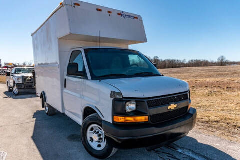 2011 Chevrolet Express Cutaway for sale at Fruendly Auto Source in Moscow Mills MO