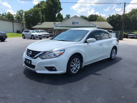 2016 Nissan Altima for sale at Driven Pre-Owned in Lenoir NC