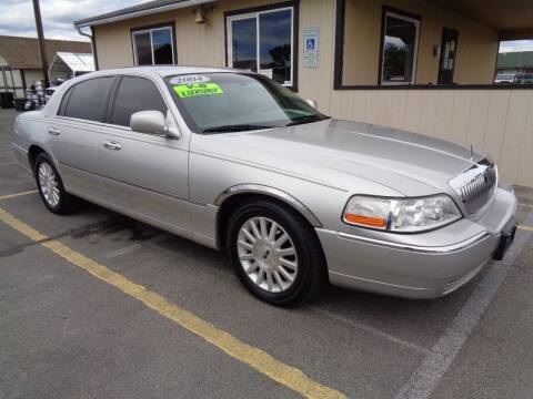 2004 Lincoln Town Car for sale at BBL Auto Sales in Yakima WA