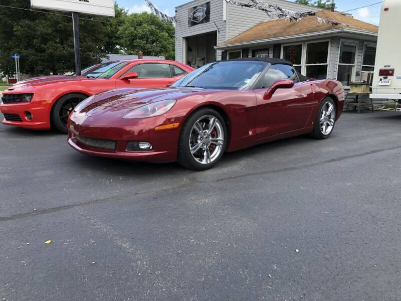 2007 Chevrolet Corvette for sale at The Car Mart in Milford IN