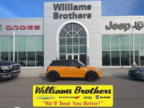 2014 MINI Hardtop for sale at Williams Brothers - Pre-Owned Monroe in Monroe MI