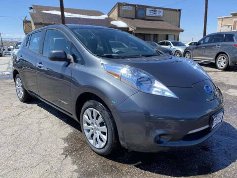 2013 Nissan LEAF for sale at BERKENKOTTER MOTORS in Brighton CO
