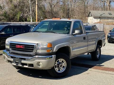 2006 GMC Sierra 2500HD for sale at AMA Auto Sales LLC in Ringwood NJ