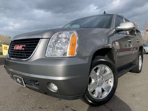 2007 GMC Yukon for sale at LUXURY IMPORTS in Hermantown MN