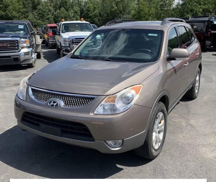 2010 Hyundai Veracruz for sale at Whiting Motors in Plainville CT