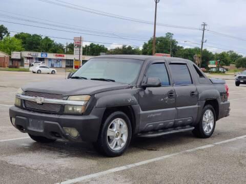 2003 Chevrolet Avalanche for sale at Loco Motors in La Porte TX
