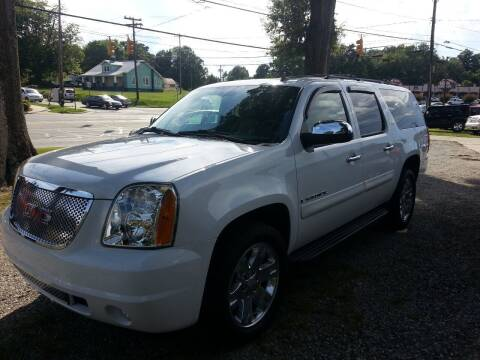 2009 GMC Yukon XL for sale at Ray Moore Auto Sales in Graham NC