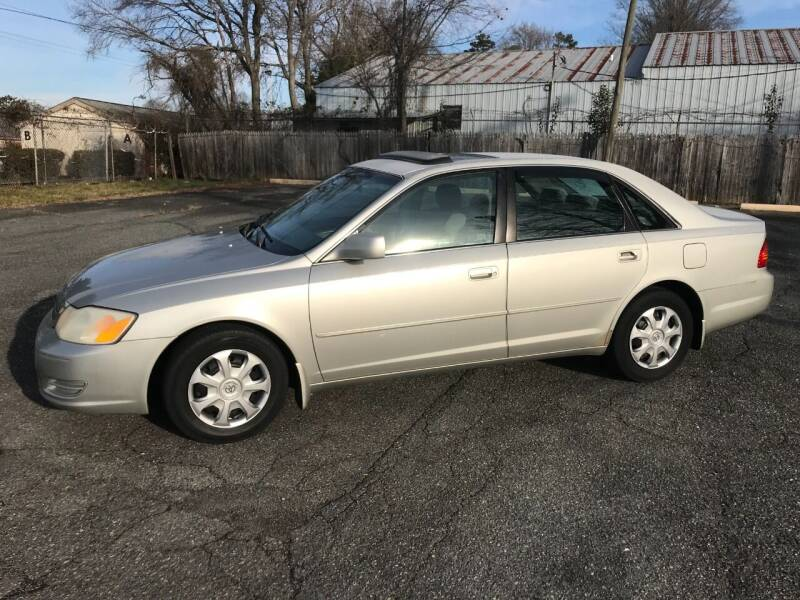 2001 Toyota Avalon for sale at Mike's Auto Sales of Charlotte in Charlotte NC