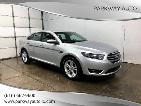 2015 Ford Taurus for sale at PARKWAY AUTO in Hudsonville MI