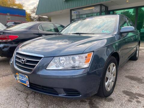 2009 Hyundai Sonata for sale at GREENLIGHT AUTO SALES in Akron OH