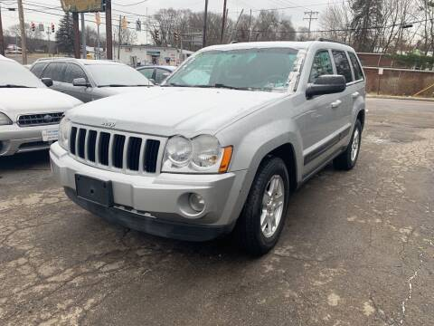 2006 Jeep Grand Cherokee for sale at Six Brothers Auto Sales in Youngstown OH