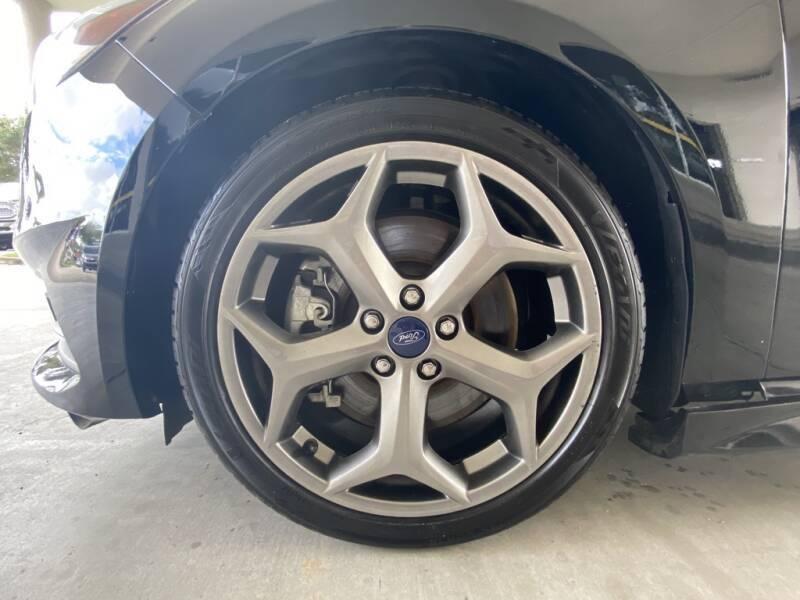2018 Ford Focus ST 4dr Hatchback - Davie FL
