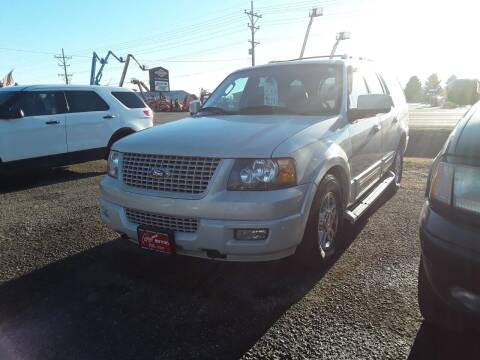2006 Ford Expedition for sale at BARNES AUTO SALES in Mandan ND