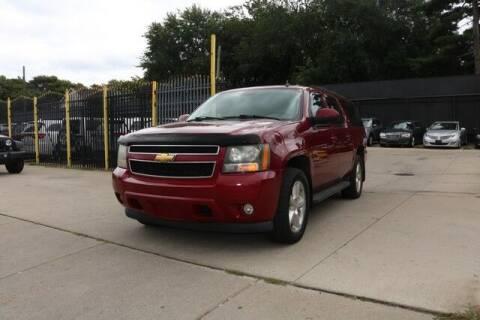 2007 Chevrolet Suburban for sale at F & M AUTO SALES in Detroit MI