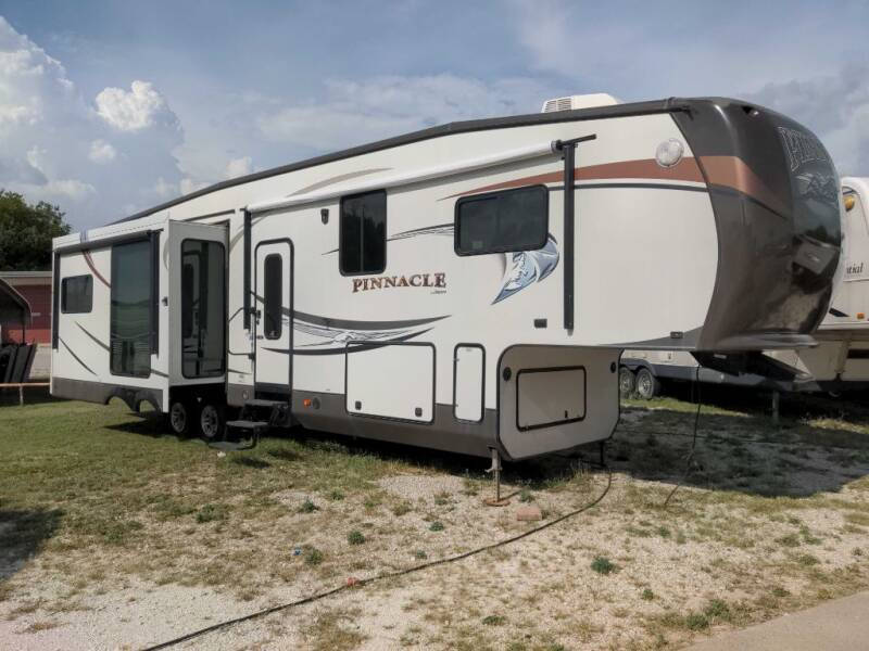 2013 Jayco PINNACLE 35LKTS for sale at Texas RV Trader in Cresson TX