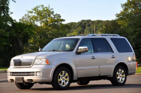 2006 Lincoln Navigator for sale at T CAR CARE INC in Philadelphia PA