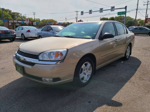 2004 Chevrolet Malibu for sale at Johnny's Motor Cars in Toledo OH