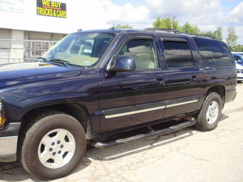 2005 Chevrolet Suburban for sale at HIGHWAY 42 CARS BOATS & MORE in Kaiser MO