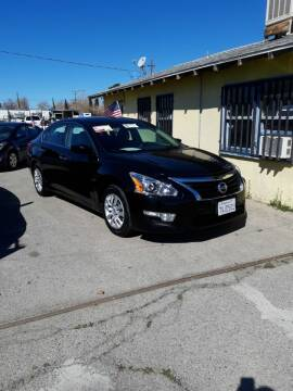 2013 Nissan Altima for sale at Autosales Kingdom in Lancaster CA