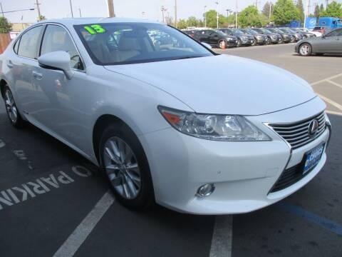 2013 Lexus ES 300h for sale at Choice Auto & Truck in Sacramento CA