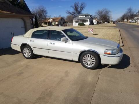 2004 Lincoln Town Car for sale at Eastern Motors in Altus OK