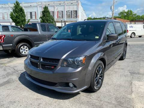 2016 Dodge Grand Caravan for sale at East Main Rides in Marion VA