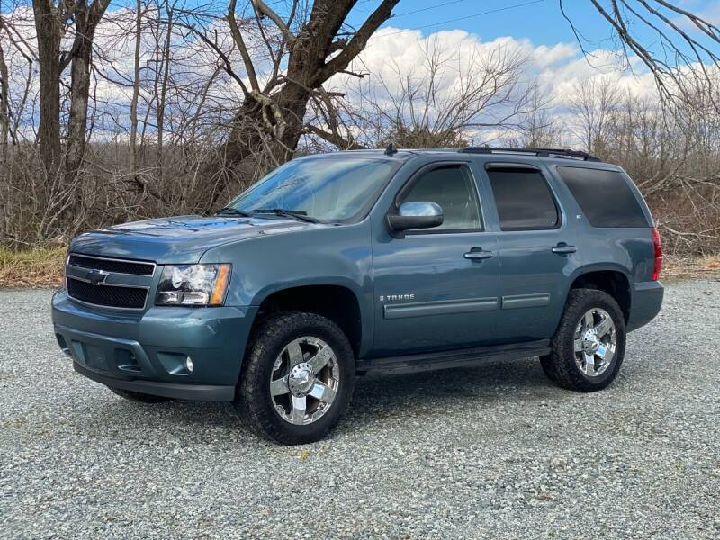 2009 Chevrolet Tahoe for sale at Charlie's Used Cars in Thomasville NC