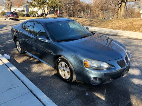 2006 Pontiac Grand Prix for sale at JE Auto Sales LLC in Indianapolis IN