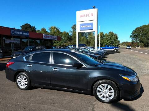 2016 Nissan Altima for sale at Kiefer Nissan Budget Lot in Albany OR