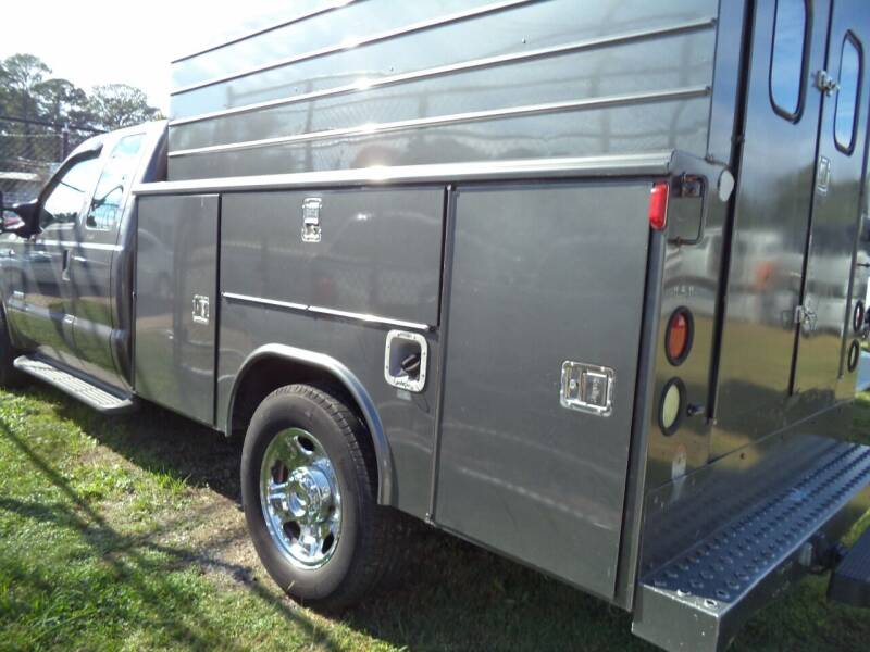 2005 Ford F-350 Super Duty for sale at H and H Truck Center in Newport News VA