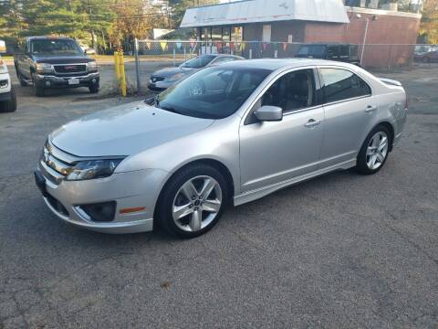 2011 Ford Fusion for sale at Topham Automotive Inc. in Middleboro MA