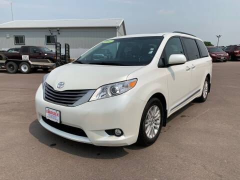 2017 Toyota Sienna for sale at De Anda Auto Sales in South Sioux City NE