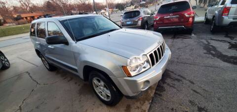 2006 Jeep Grand Cherokee for sale at Divine Auto Sales LLC in Omaha NE