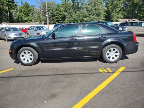 2005 Chrysler 300 for sale at Hilltop Auto in Clare MI