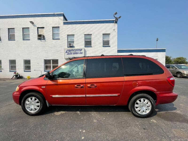2006 Chrysler Town and Country for sale at Lightning Auto Sales in Springfield IL