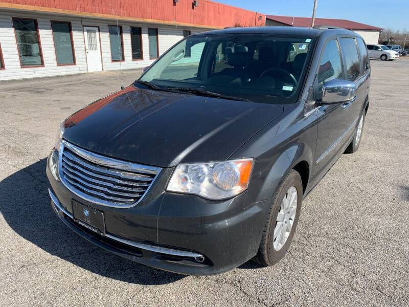 2012 Chrysler Town and Country for sale at Best Buy Auto Sales in Murphysboro IL