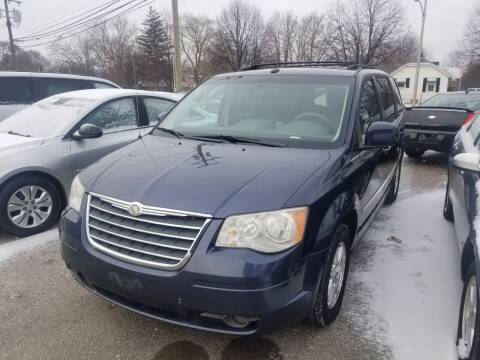 2009 Chrysler Town and Country for sale at D & D All American Auto Sales in Mt Clemens MI