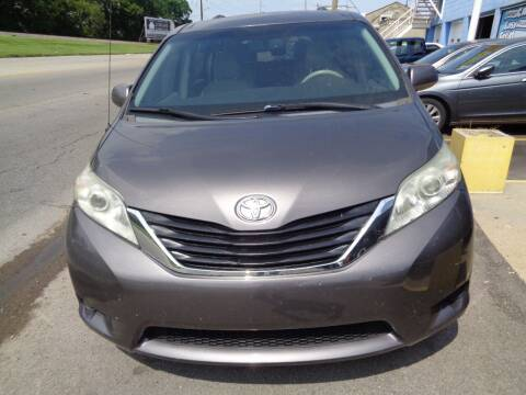2012 Toyota Sienna for sale at Ideal Cars in Hamilton OH