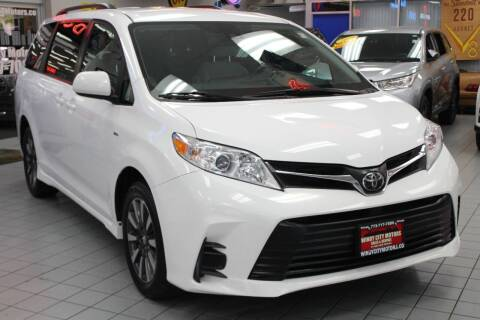 2018 Toyota Sienna for sale at Windy City Motors in Chicago IL