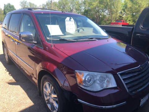2008 Chrysler Town and Country for sale at BARNES AUTO SALES in Mandan ND