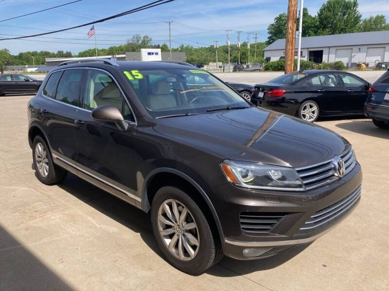 2015 Volkswagen Touareg for sale at Auto Import Specialist LLC in South Bend IN
