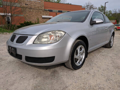 2007 Pontiac G5 for sale at DILLON LAKE MOTORS LLC in Zanesville OH