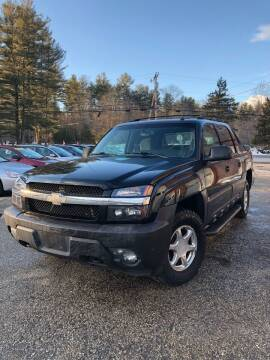 2005 Chevrolet Avalanche for sale at Hornes Auto Sales LLC in Epping NH