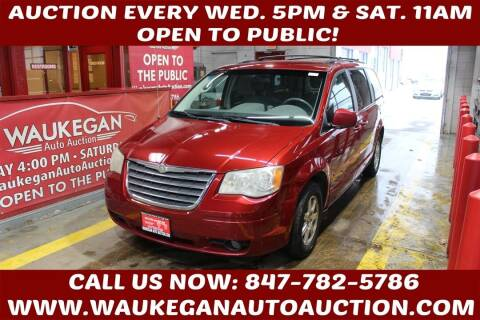 2008 Chrysler Town and Country for sale at Waukegan Auto Auction in Waukegan IL