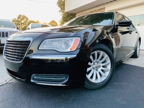 2013 Chrysler 300 for sale at North Georgia Auto Brokers in Snellville GA