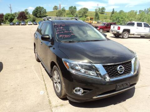 2015 Nissan Pathfinder for sale at Barney's Used Cars in Sioux Falls SD